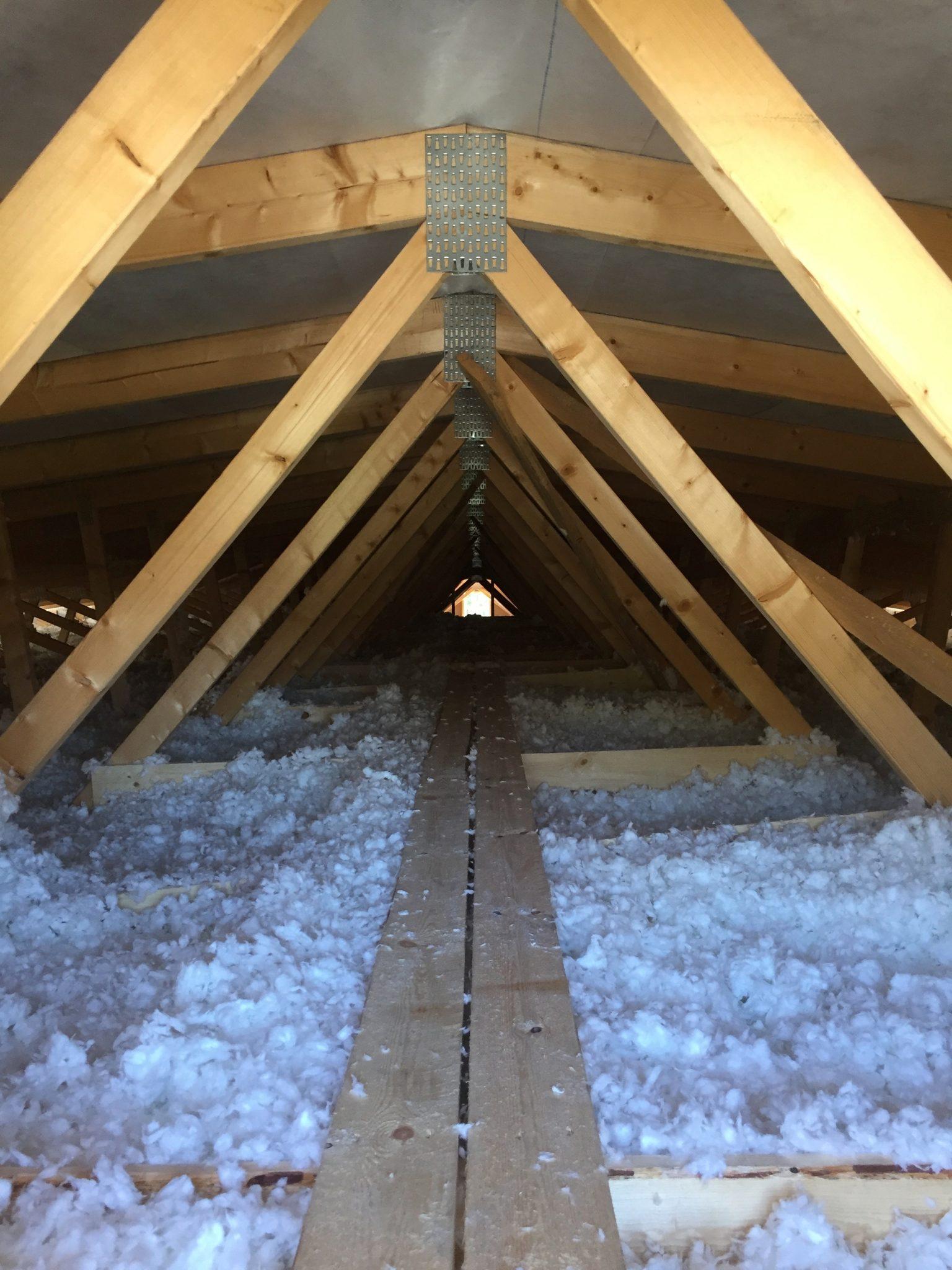 Lämmöneristys omakotitalossa Lappeenrannassa Isover puhallusvillalla